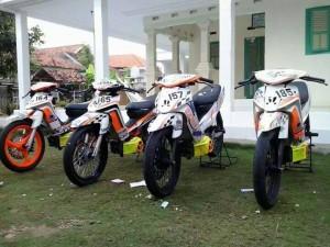 Caesar Racing Team Bangkalan, Setia elus-elus bebek goreng.