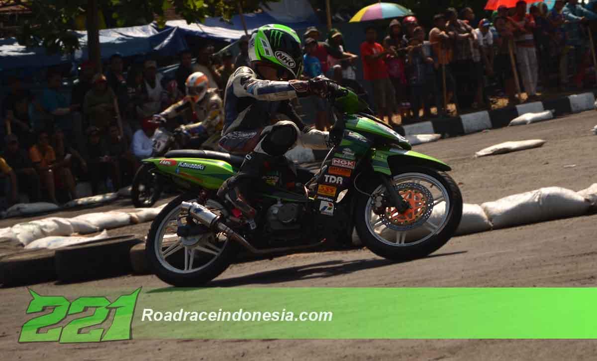 Kawasaki zx road race