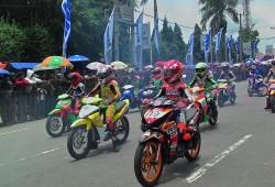 Rider Imut Panaskan Aspal Kota Reog